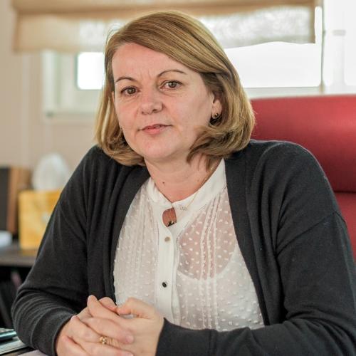 Mme Béatrice CANTEAU
